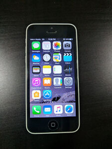 iPhone 5c UNLOCKED 32 GB in Excellent condition
