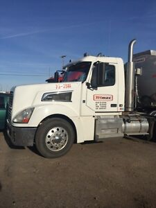 2008 Volvo VT 880 Day Cab with wet kit