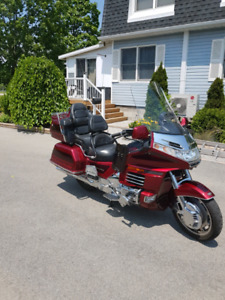 1999 SE Honda Goldwing $7500