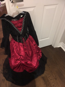 beautiful girl costume - age 6-7 - red and black, medieval time