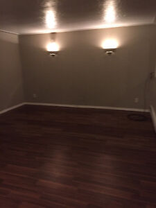 1 BEDROOM APARTMENT - WESTMOUNT / CENTRAL - AVAILABLE ASAP