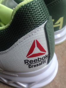 Souliers Reebok Crossfit Lifters neufs. Pointures disponibles Fe