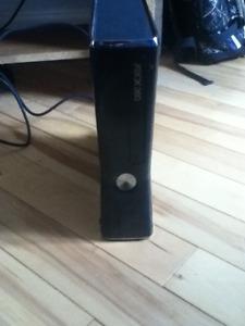 Xbox 360, 230gb avec 30 jeux