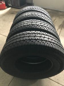 4 pneus NEUFS Michelin LTX AT/2 LT265/70r18 (10 plis)