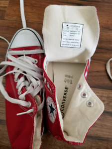 Chuck Taylor's Converse boys 5 1/2 never used