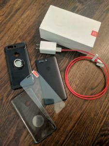 Oneplus 5t 64gb like new