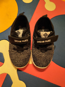 Toddler Size 9 boys running shoes - almost new!