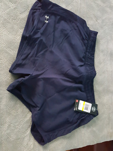 Under Armour Fly-by shorts - Size Medium