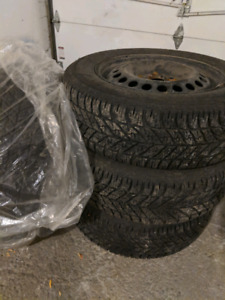 215/60/R16 Goodyear 3 winter tires with 4 rims