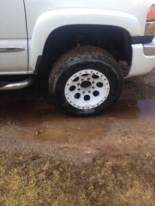 "17"" Mickey Thompson Beadlock Rims with 265/70/17"