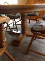 Table and chairs oak