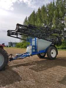 SOLD -2010 New Holland S1070 suspended boom sprayer