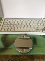 Apple IPad Bluetooth keyboard with Ipad stand