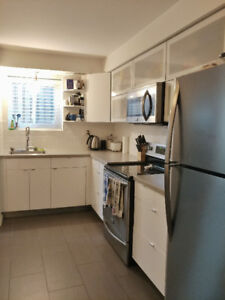 Downtown 3+ Bdrm in Woodfield w/ 2 Parking Spaces, Laundry