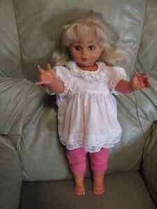 Collection doll Kitchener / Waterloo Kitchener Area image 1