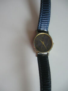 "LADY'S CLASSY ""VIONNA"" BATTERY-OPERATED WATCH with LEATHER STRAP"