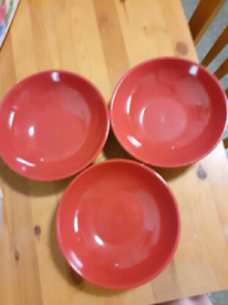 3 × Plates
