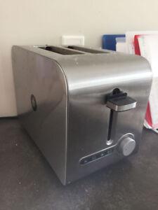 Bread toaster- Black & Decker
