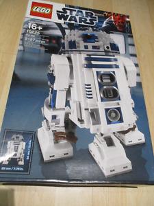 Lego 10225 UCS R2-D2 Used