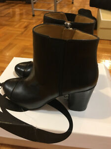 New Nine West black leather booties! Size 5!