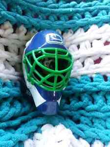 2009 NHL Vancouver Canucks Goalie Mask Regina Regina Area image 6
