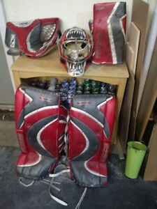 32 inch pads blocker trapper and helmet