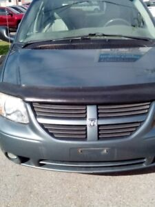 ( 2006-GRAND CARAVAN - SXT ) ** LOADED WITH LEATHER INT