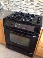 Frigidaire Gallery slide in gas range oven
