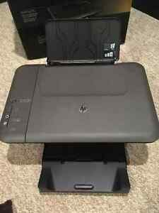 HP Deskjet 1050 All in One