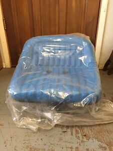 FORD Seat. Never used tractor seat UNIVERSAL TRACTOR SEAT