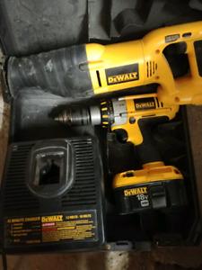 Dewalt 18v sawzall and drill/perceuse