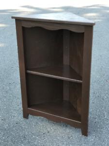 Corner shelf / cabinet