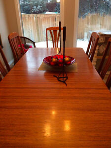 Solid Oak Dining Table Hutch and chairs