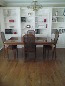 Thomasville Elsee Dining Table