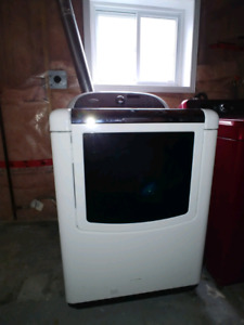 Whirlpool Gas Dryer with Steam