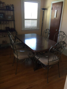 Hauser solid wood and wrought iron dining set and bakers rack