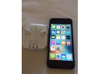 Apple iPhone 5 32GB Black in pristine condition unlocked 3341