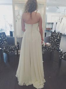 ELEGANT WEDDING DRESS St. John's Newfoundland image 2