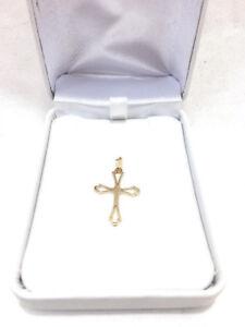 Croix en Or 14 Carats de 2.5 x 1.5 cm Seulement 49.95$!