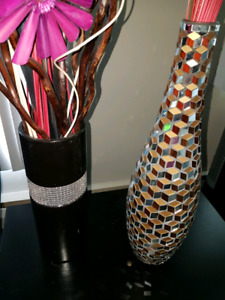2 vases with some sparkle