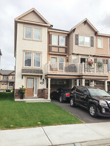 Endunit, 2 bd/2.5 bt,nook,balcony, Fairwinds, Kanata West