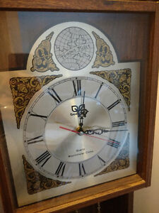Grandfather clock (Battery Operated)