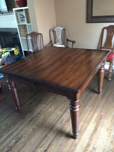 Solid Rubber Wood Dining Table