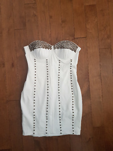WHITE BUSTIER STYLE STRAPLESS DRESS
