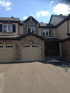 Brand New Townhouse in Ottawa West / Kanata
