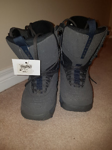 Snowboard boots shoes - new