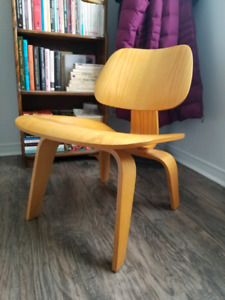 Chaise LCW, plywood molded chair