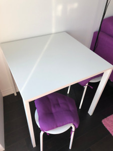 Like New IKEA Melltorp Table in White + 2 Stools