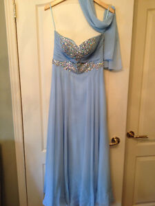 Elegant dresses for any occasions NEW PRICE