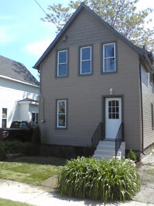 Beautiful 3 Bedroom Home Recently Renovated